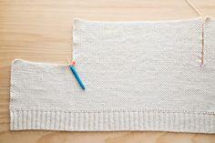 Crochet Cardigan Pattern, Crochet Jacket, Crochet Stitches Patterns, Baby Knitting Patterns, Stitch Patterns, Linen Stitch, Moss Stitch, Modern Crochet, Crochet Crop Top