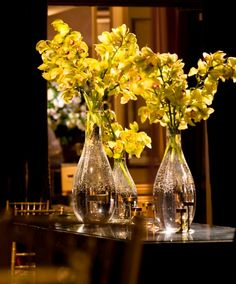 green-cymbidium-orchids-gold-and-red-wedding-decor-philadelphia.jpg (640×772)