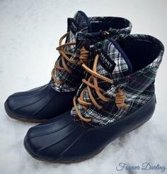 New Sperry Duck Boats Outfit Winter Leggings Jeans 39 Ideas Sock Shoes, Cute Shoes, Me Too Shoes, Heeled Boots, Bootie Boots, Shoe Boots, Duck Boots Outfit, Sperry Duck Boots, Chloe