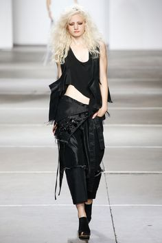 Marques ' Almeida Spring 2015 Ready-to-Wear Fashion Show