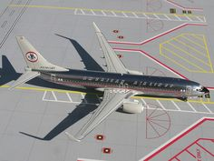 1:200 Gemini Jets Model - Boeing 737-800 - American Airlines (Retro Colours) £59.00