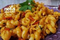 Tavuklu Nefis Makarna Tarifi Baked Spaghetti Pie, Pasta Bake, Macaroni And Cheese, Noodle, Shrimp, Food And Drink, Meat, Baking, Ethnic Recipes