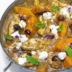 <p>We've compiled our 10 best quick and easy chicken dinners for you to add to your midweek repertoire:from one-pots and burgers to easy roasts and traybakes</p>