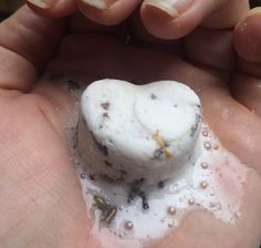 Domácí léčiví šumáci do rozmazlovací koupele (se srdcem na dlani) | Home-Made.Cz