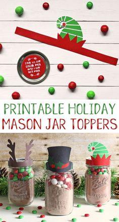 Free printable mason jar toppers for Christmas. An easy and cute neighbor gift idea for the holidays. #christmas #neighborgifts #masonjar