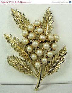 CIJ Sale Vintage BSK Faux Pearl Cluster Foliate Brooch