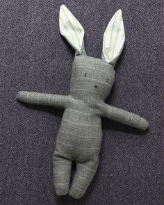 Stuffed Menswear Bunny - Free pattern and step by step Photo tutorial - Bildanleitung und gratis Schnittvorlage