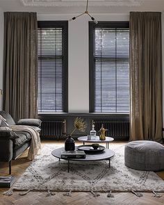 Looking to buy Curtains Online in Australia? Shop with QuickFit Blinds & Curtains today for a beautiful, high-quality range of curtains at affordable prices. Style At Home, Living Room Designs, Living Room Decor, Store Venitien, Custom Made Curtains, Window Styles, Curtains With Blinds, Sheer Curtains, Home And Living
