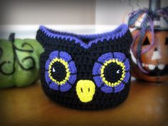 This cute owl basket would be perfect sitting on a table for decoration, for holding knick knacks, or even as a Halloween trick-or-treat bag.