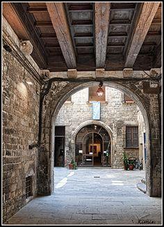 Das Gotische Viertel in #Barcelona wirkt heute noch wie im Mittelalter. #Katalonien.