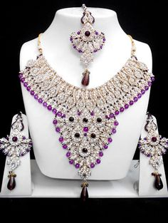 Very Exclusive Indian Patwa Jewellery sets available with matching pair of earrings and mangtikka. The specialty of this jewelry set is its gorgeous looks which is beautifully handcrafted work with hi Indian Jewelry Sets, Indian Wedding Jewelry, India Jewelry, Bridal Jewelry Sets, Antique Jewelry, Beaded Jewelry, Fashion Accessories, Fashion Jewelry, Traditional Indian Jewellery