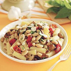 It's #MeatlessMonday! Rigatoni with Beans and Mushrooms #recipe