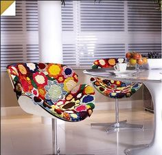 Crochet covered 1970's Tulip Chairs! CROCHET INSPIRATION http://pinterest.com/gigibrazil/crochet-e-tricot-home/