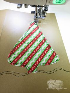 Amy's Free Motion Quilting Adventures: Free Motion Quilting: Christmas Cards!