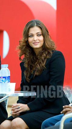 Actress Aishwarya Rai, Aishwarya Rai Bachchan, Aishwarya Rai Wallpaper, Hello Kitty Drawing, World Most Beautiful Woman, Indian Movies, Beauty Photography, Beautiful Actresses, Indian Beauty