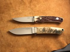 The top is a nice RW Loveless piker in stag, and below is a beautiful drop with Sheep Horn scales. Riverside logo.   #loveless #famousknives #fighter #dagger #bigbear  #bobloveless #johndenton #customknives #tactical #knifecollecting #handmadeknives #droppointhunter #bootknife #semiskinner #stevejohnson #jimmerritt #r.w.loveless #boblovelessbook #knifecollectorsbook #customknives #custom #tactical  #guncollecting #michealwalker #investment #ferrari #rolex Collector Knives, Boot Knife, Vintage Bob, Loveless, Handmade Knives, Big Bear, Custom Knives, Knifes, Horn