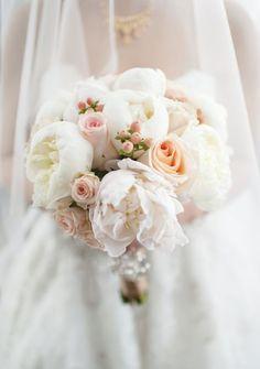 Wedding bouquet idea; Featured Photographer: Modern Romance Weddings