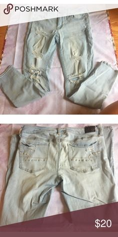 Distressed Stretchy Skinny Jeans Great condition light wash skinny jeans American Eagle Outfitters Jeans Skinny