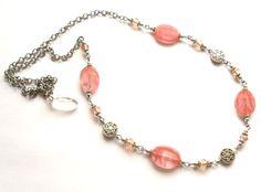 Necklace with crystal beads and cherry quartz. Halsband med körsbärskvarts från ladyofthelake.se