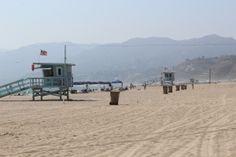 Plaża w Santa Monica i budki ratowników
