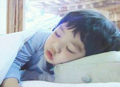 While he's not a kpop star yet, Shinee's baby Yoogeun is adorable!