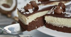 Sally's Recipes - Bounty Cake / Coconut / imitation With converter for small ba . - Ich back´so gern :) - Doughnut Recipes Bounty Torte, Low Fat Cake, Types Of Pastry, Cake Varieties, Simply Yummy, Different Cakes, Yummy Cakes, No Bake Cake, How To Make Cake