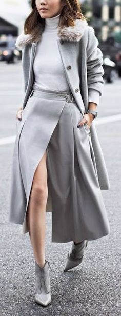 Fashion Trends Daily - 36 Chic Winter Outfits On The Street - Fashion Ideas - Fashion Trends Monochrome Outfit, Monochrome Fashion, Grey Outfit, Fashion Mode, Look Fashion, Fashion Outfits, Womens Fashion, Fashion Trends, Grey Fashion