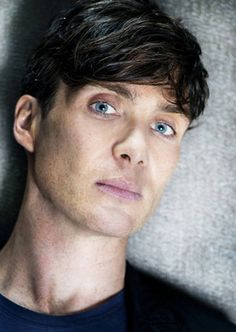 Find images and videos about eyes, cillian murphy and peaky blinders on We Heart It - the app to get lost in what you love. Peaky Blinders Tommy Shelby, Peaky Blinders Thomas, Cillian Murphy Peaky Blinders, Estilo Gangster, Raining Men, Irish Men, Man Crush, Gorgeous Men, Youtubers