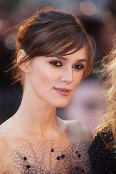 Keira Knightley Photos Photos - (UK TABLOID NEWSPAPERS OUT) Keira Knightley arrives at the world premiere of 'The Duchess' at the Odeon cinema, Leicester Square on September 3, 2008 in London, England. - The Duchess - UK Film Premiere - Arrivals