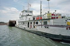 99e024: Clay Griffin | Portland Canal at L&I Bridge. Towboat… | Flickr