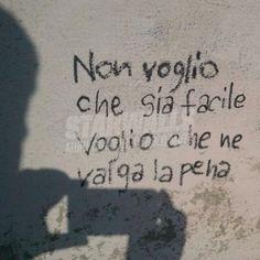 Star Walls - Scritte sui muri. — Voglio Graffiti Quotes, Graffiti Writing, Romantic Quotes, Love Quotes, Canvas Art Quotes, Serious Quotes, Daily Wisdom, Italian Quotes, Tumblr