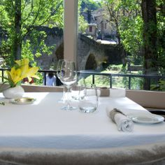 Restaurant & Hôtel du Vieux Pont - 12390 Belcastel