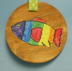 An original link; this lesson teaches young students what mounted fish look like, the arrangement of colors in the rainbow, and color mixing.