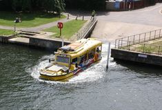 Duck Tour, Yacht Builders, Amphibious Vehicle, Tourism Industry, Roll Cage, Mode Of Transport, Throughout The World, World War Ii, Just Go