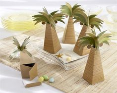 palm tree party favors