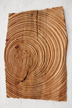 Wood Relief Carvings: This would be cool to re-create a ripple effect Wooden Art, Wood Wall Art, Chip Carving, Carving Wood, Bois Diy, Got Wood, Carving Designs, Wood Creations, Wood Sculpture