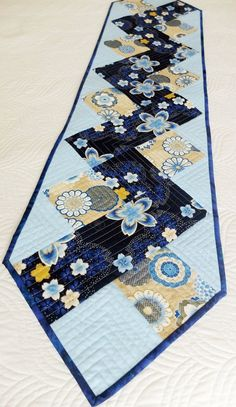 Zig Zag patchwork quilted tablerunner blue and by StephsQuilts