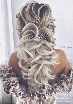 Nadi Gerber long wavy wedding hairstyles 20 #weddings #hairstyles #weddinghairstyles #bridalhairstyles #weddingideas ❤️ http://www.deerpearlflowers.com/wedding-prom-hairstyles-from-nadi-gerber/
