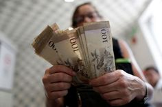 Venezolanos explican lo complicado que es obtener efectivo en Venezuela - http://www.notiexpresscolor.com/2017/09/05/venezolanos-explican-lo-complicado-que-es-obtener-efectivo-en-venezuela/