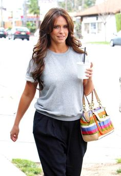 seriously? even when shes in sweats her hair still looks amazing.. i so wanna learn how to do my hair like hers <3