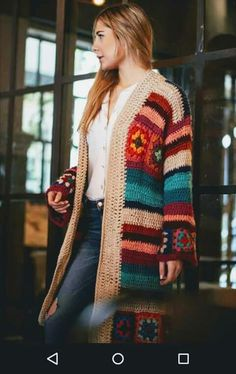 Chalecos crochet Crochet Coat, Crochet Cardigan Pattern, Crochet Jacket, Cute Crochet, Crochet Shawl, Crochet Clothes, Crochet Stitches, Crochet Patterns, Kimono Crochet