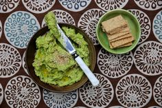 petite kitchen: THE MOST INCREDIBLE PEA, LEMON & GARLIC GUACAMOLE WITH PACKED WITH HERBS