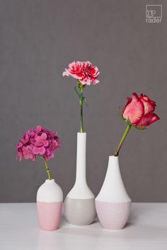 Für mehr Farbe im Alltagsgrau und zarte Blumenbotschaften: Mini Pastell Vasen von räder.