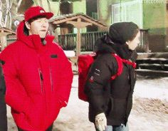spartace. Ouh Oppa, look over there.