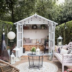 Summer House Painted In Cuprinol French Grey - Theresa's Four Bed Edwardian Garden With Boho Inspired Summer House. Image By Adam Crohill. Small Summer House, Summer House Garden, Garden Cottage, Home And Garden, Summer Houses, Summer House Decor, Garden Living, Unique Garden, Small Garden Design