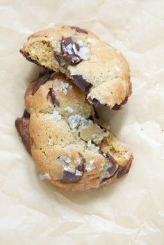 My Favorite Chocolate Chip Cookie Recipe // www.dulanotes.com @nicoledula