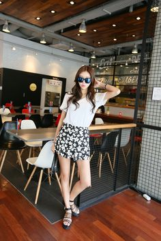 Flower printed high waisted shorts
