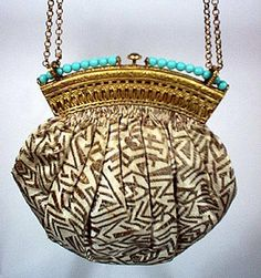 Vintage Rhapsody: History of Handbags - From the 14th Century to Today's Bag Designers / 4
