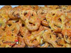 Reteta de Covrigei cu Cascaval si Chimen Shrimp, Food, Garden, Youtube, Home, Garten, Eten, Gardens, Meals