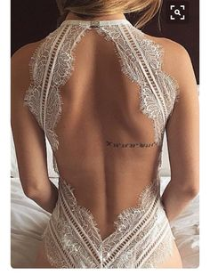 Tattoos on the back the new fashion to wear in the street style. Female Tattoo P… Tattoos on the back the new fashion to wear in the street style. Small Tattoo Placement, Cool Small Tattoos, Trendy Tattoos, Hip Tattoos Women, Back Tattoo Women, Female Back Tattoos, Tattoo Female, Tatuagem Selena Gomez, Long Quote Tattoo
